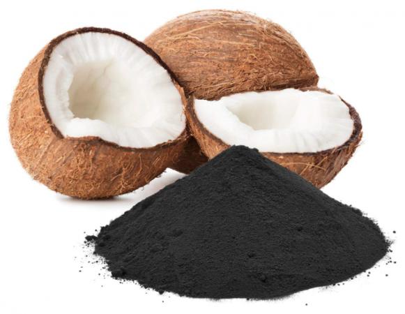 Aceite de coco y carbón vegetal activo dientes