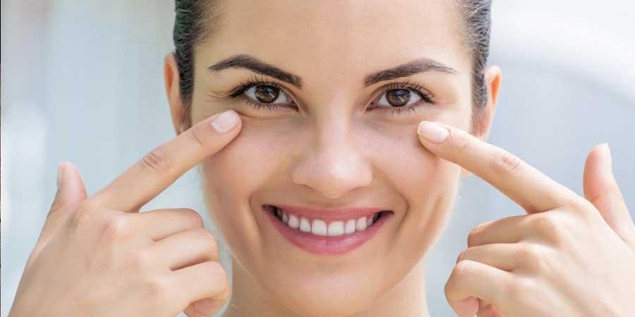 Aceite de coco para arrugas del contorno del ojo